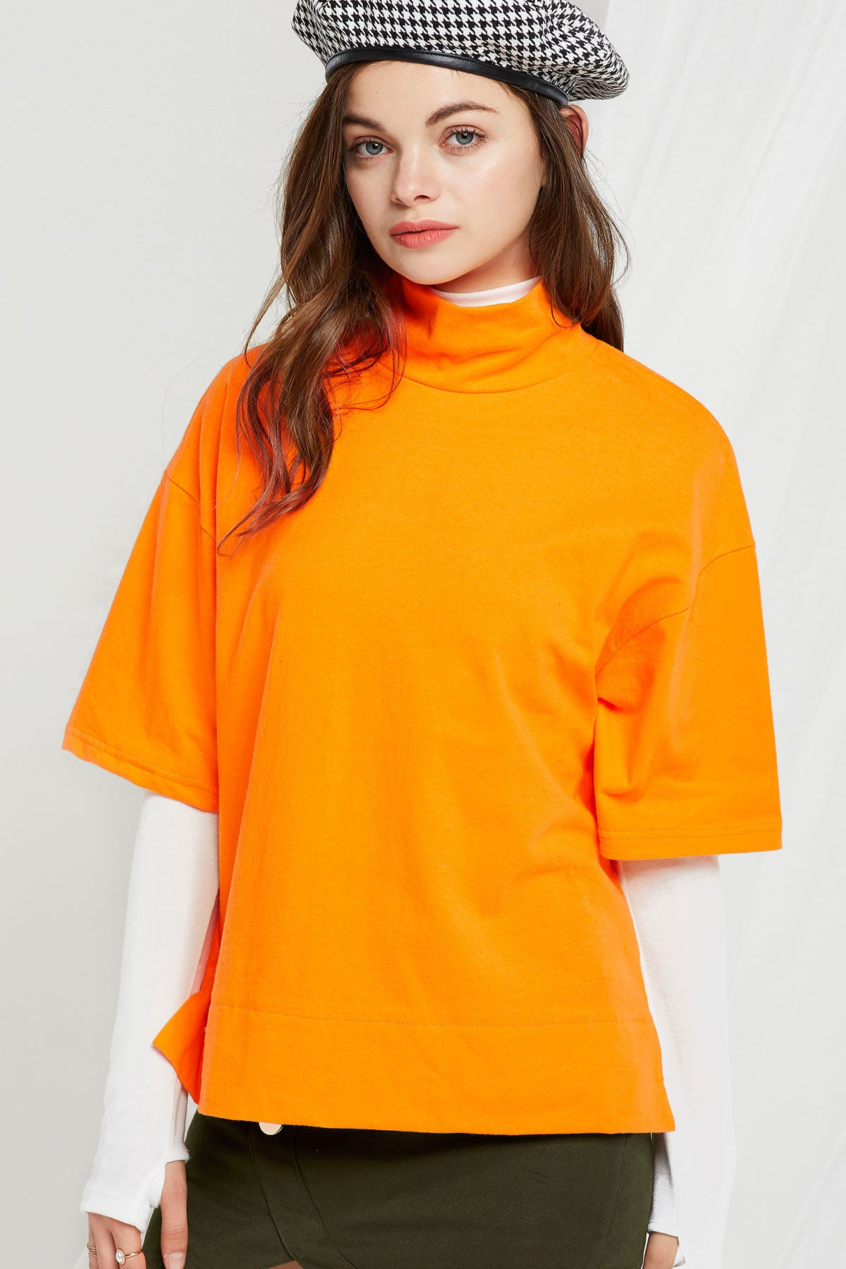 Iris Short Sleeve Mock Neck Top