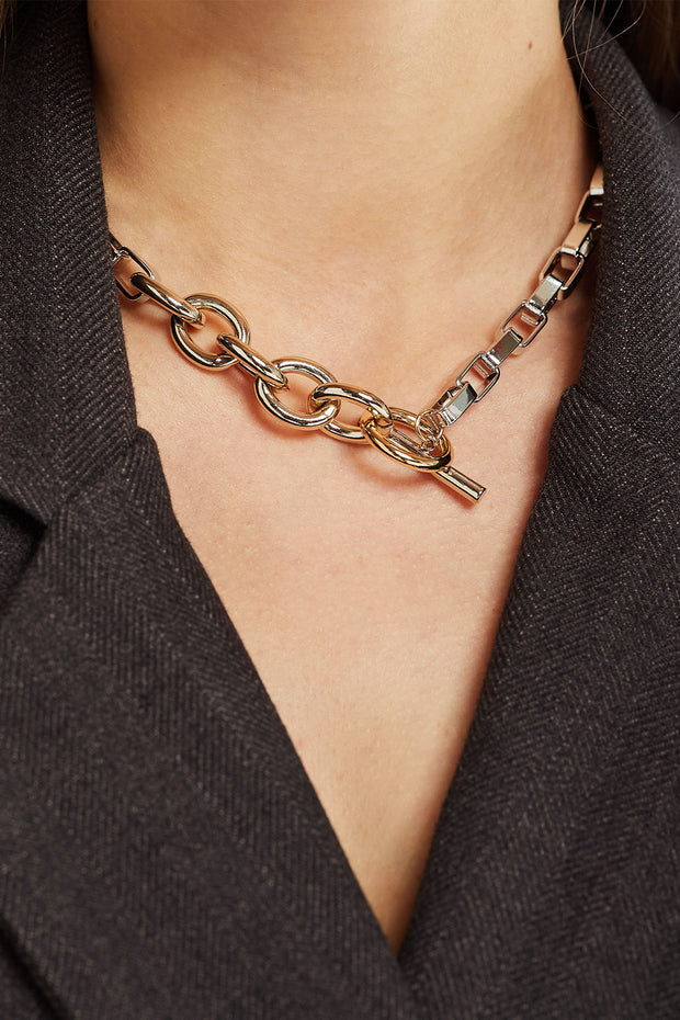 Bold Link Chain Toggle Necklace
