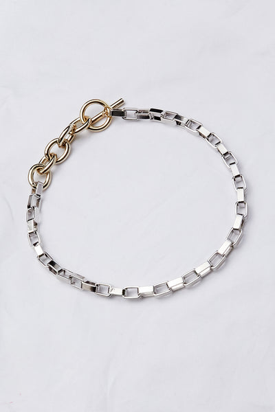 storets.com Bold Link Chain Toggle Necklace