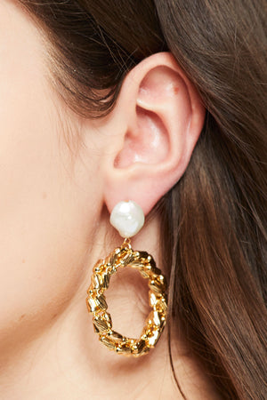 Pearl Gold Drop Earrings
