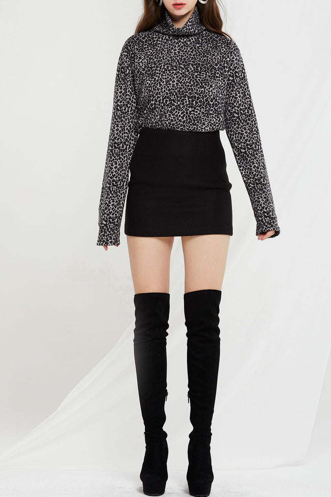 Clara Leopard Turtleneck