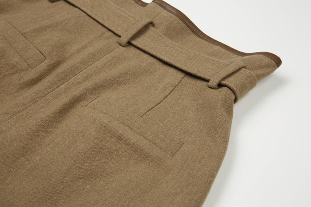 [NUVO10] camel wool shorts