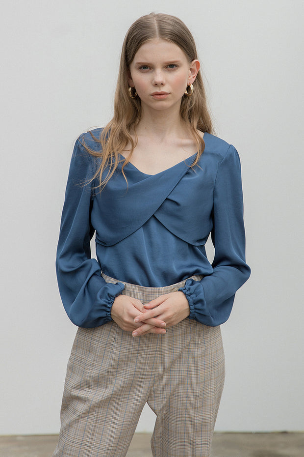 [clet] Twisted Satin Blouse