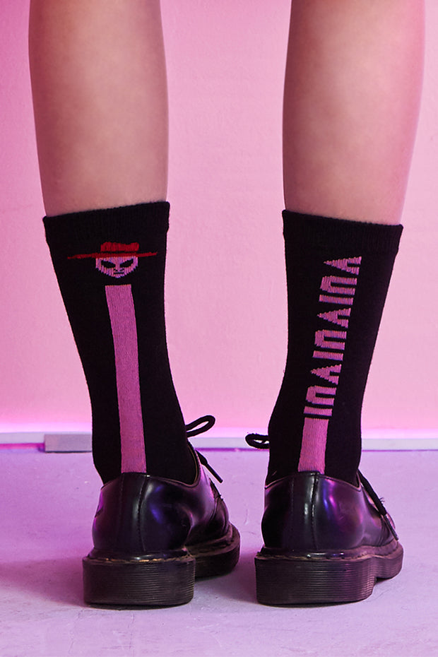 [VVV] PINK ALIEN BLACK SOCKS