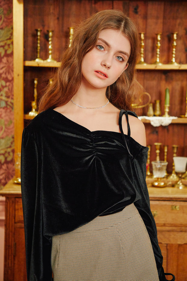 [LETTER FROM MOON] Velvet Half-off Shoulder Blouse
