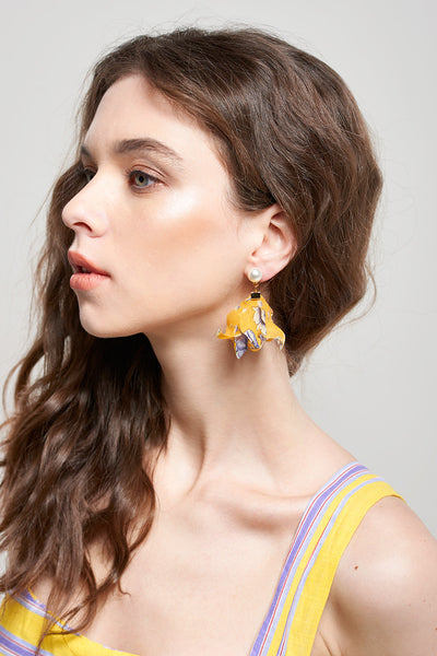 storets.com Floral Fabric Pearl Earrings