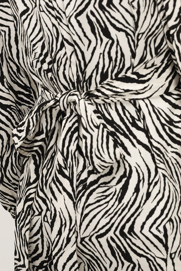 storets.com Lily Zebra Printed Maxi Dress