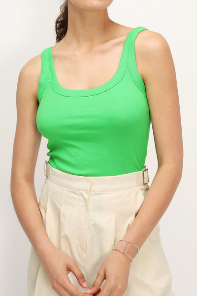 storets.com Belle Simple Sleeveless Top