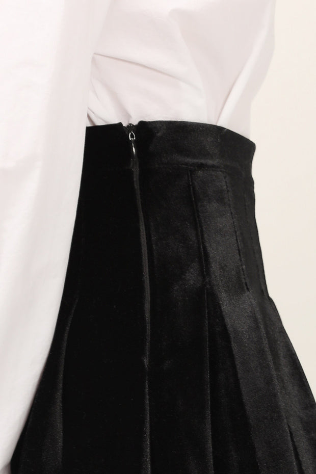 storets.com Bella Velvet Pleated Skort