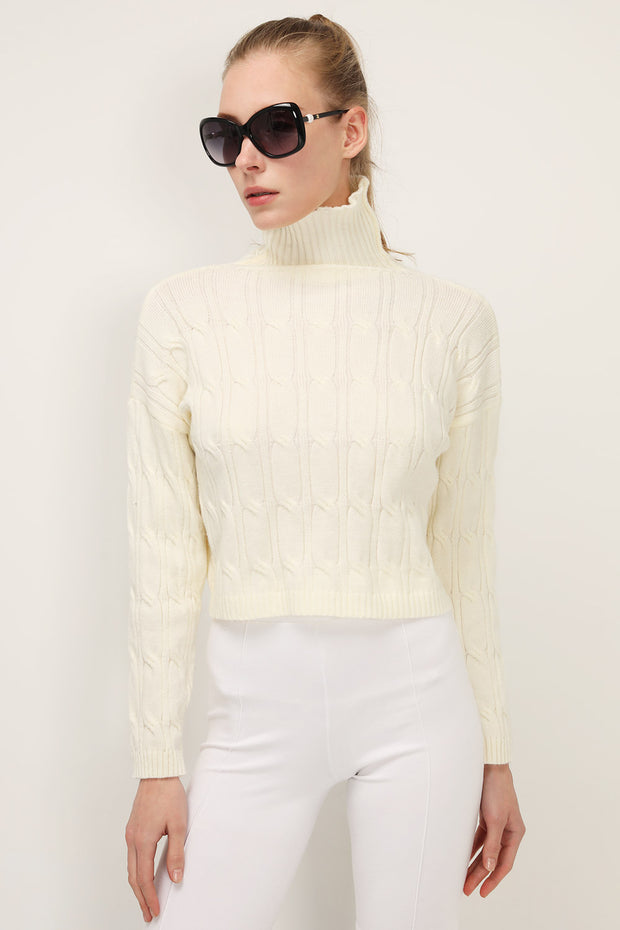 storets.com Ivy High Neck Cropped Sweater