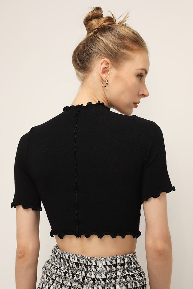 storets.com Anna Lettuce Trim Crop Top
