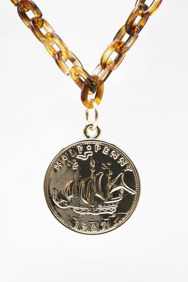 storets.com Coin Pendant Acrylic Chain Necklace