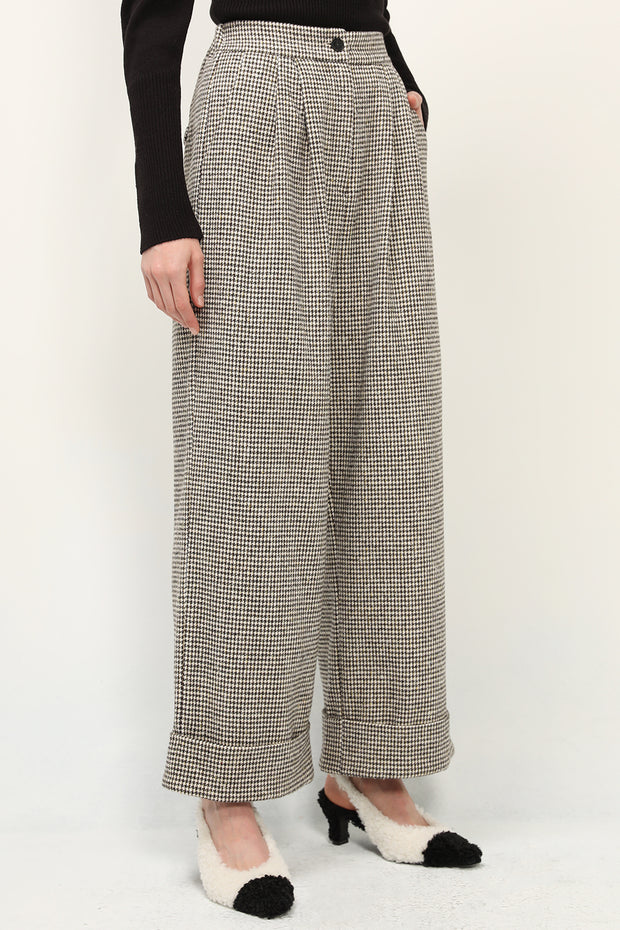 storets.com Nylah Houndstooth Pintuck Cuffed Pants
