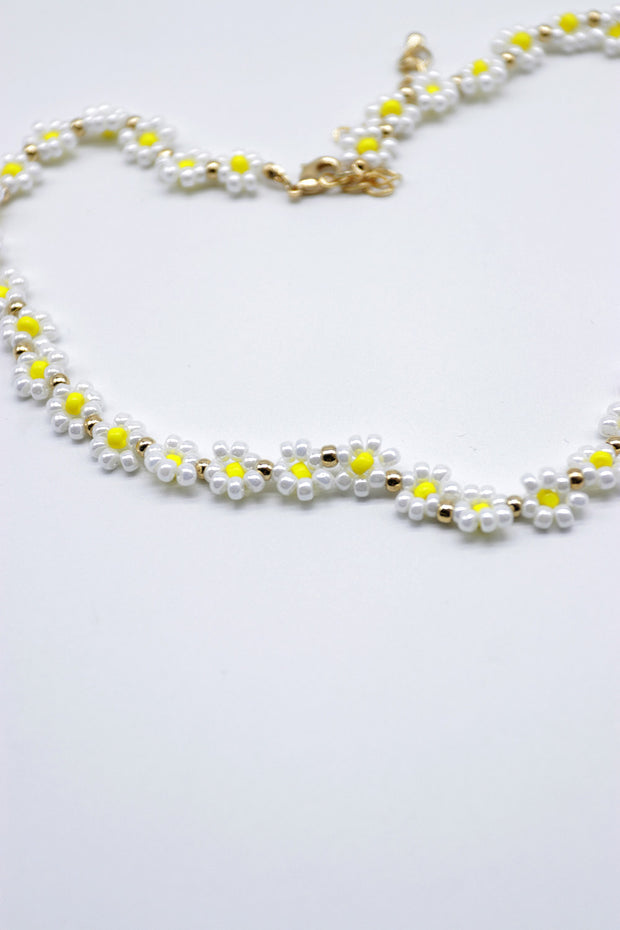 storets.com Beaded Flower Necklace
