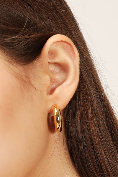 storets.com Golden Half Hoop Earrings