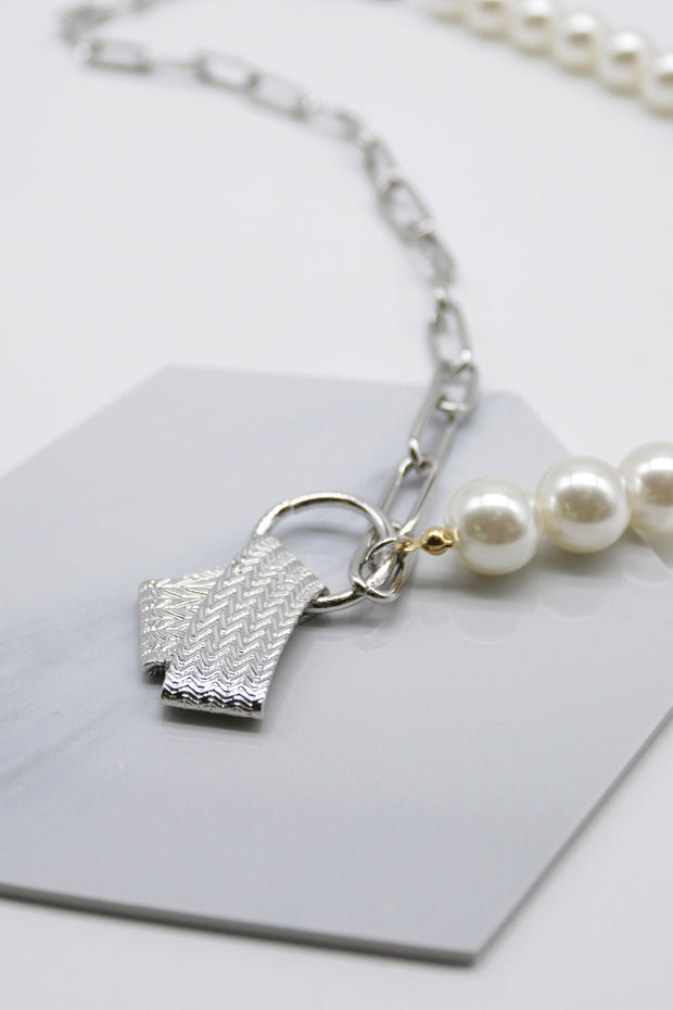 storets.com Pearl Chain Pendant Necklace