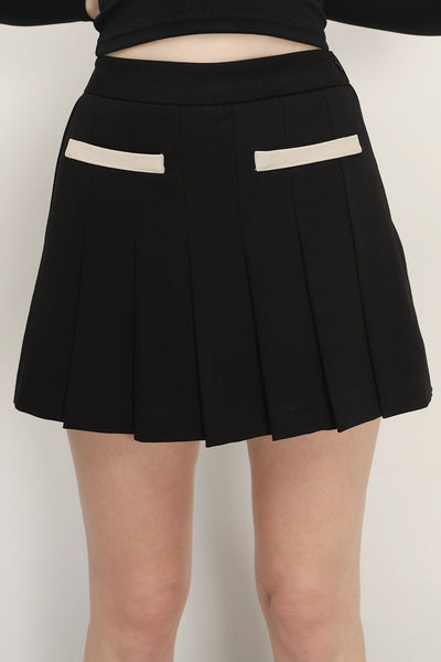 storets.com Eloise Pocket Detail Pleated Skort