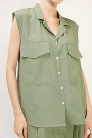 storets.com Brianna Notch Collar Sleeveless Shirt