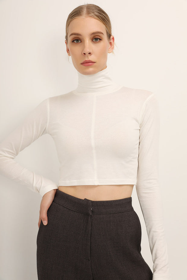 storets.com Mila High Neck Crop Top