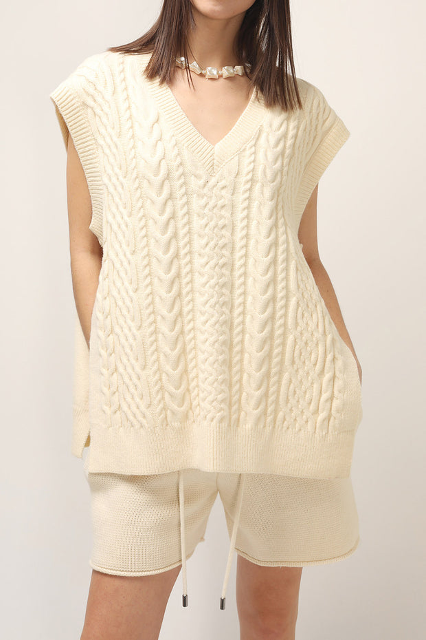 storets.com Avah Knitted Side Split Vest
