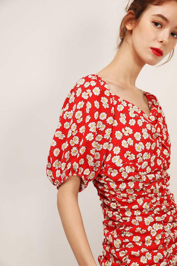 storets.com Hazel Floral Shirred Dress