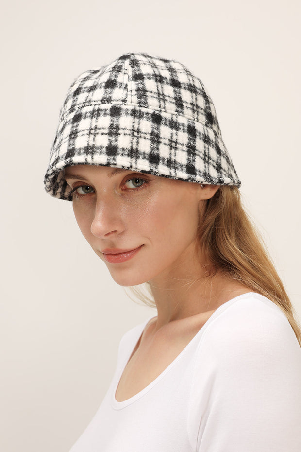 storets.com Plaid Bucket Hat