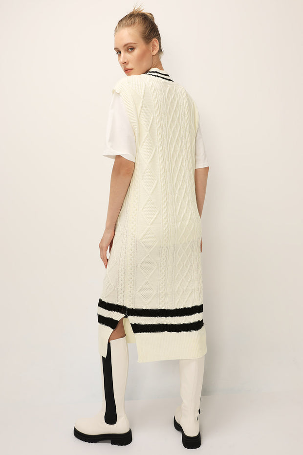 storets.com Emma Cable Knit Dress