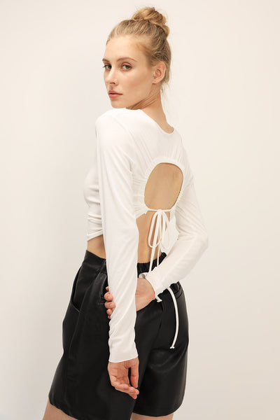 storets.com Freya Open Back T-Shirt