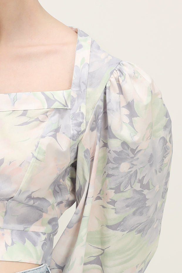 storets.com Mariah Floral Cropped Blouse