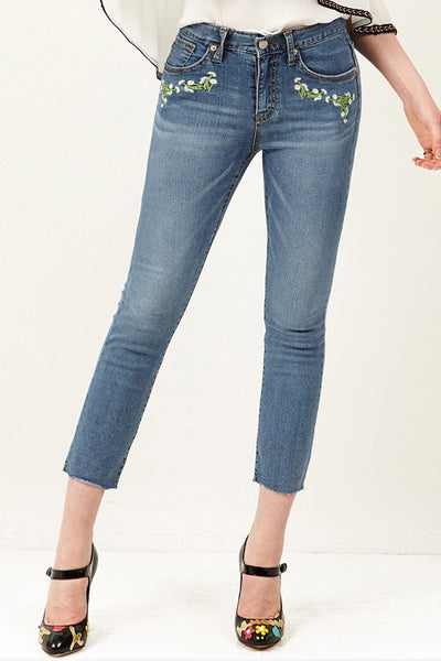 Dina Pocket Flower Embroidery Jeans