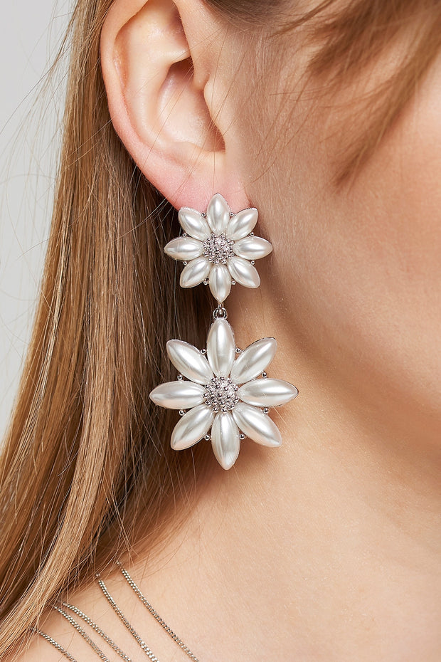 storets.com Bold Pearl Flower Earrings