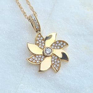 Sincerely Ginger Jewelry Pinwheel Necklace with Diamonds in 14-Karat Yellow Gold