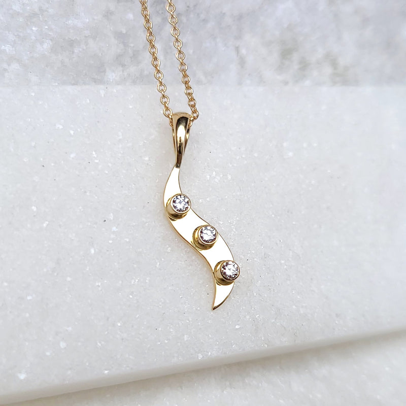 Sincerely Ginger Jewelry Diamond Wave Necklace in 14-Karat Gold
