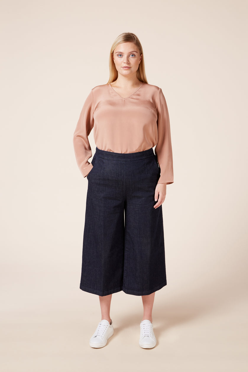 Plus size dark denim culottes with pockets