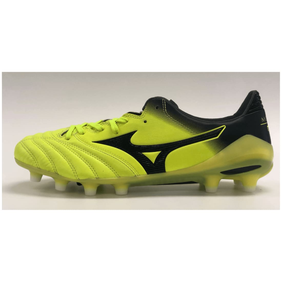huge discount 298ba 9d10c Mizuno Morelia Neo II MD Firm Ground (FG) Boots
