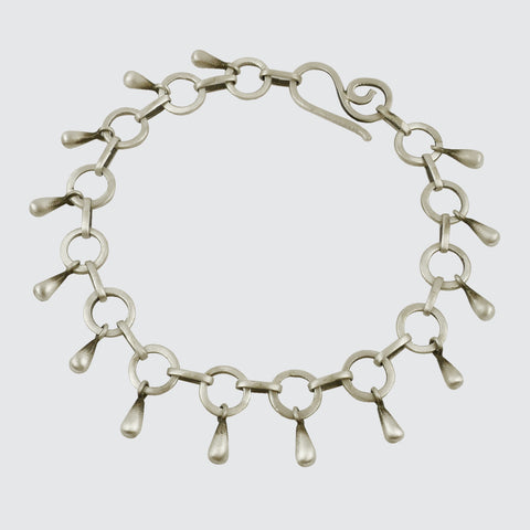 Circle Link Chain bracelet with solid tear drops