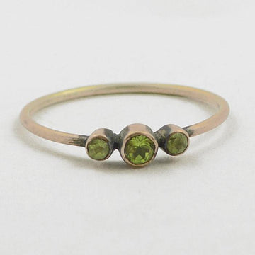 Graduating Faceted Three Stone Gold Ring