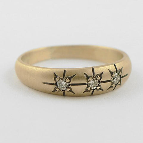 Gold Ring with Three Star-Set Diamonds in Classic Vintage Setting
