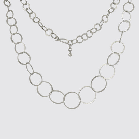 Graduated Circle Link Chain Necklace