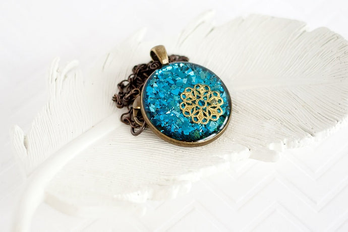 Blue Glitter Flower Pendant Necklace