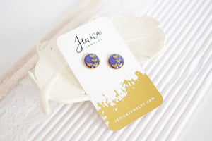 round leaf studs with cute packaging