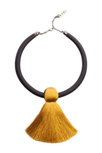 Short Single Tassel Necklace