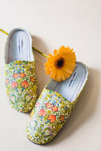 Load image into Gallery viewer, Paradise Garden Slippers