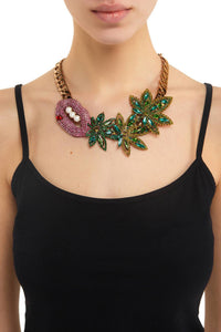 Kiss Leaf Necklace