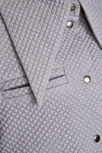 Load image into Gallery viewer, Quilted Dramatic Collar Shirt