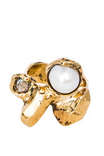 Load image into Gallery viewer, Pearl and Cubic Zirconia Ring - Luck