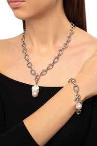 Baroque Pearl Round Chain Charm Necklace