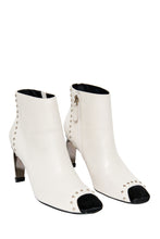 Load image into Gallery viewer, MyAudacity High Heeled Booties - White