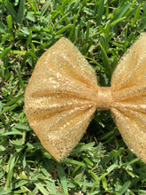 Load image into Gallery viewer, Chunky Gold Glitter Tulle Bow