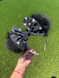 Black Pom Poms x Mickey Bow Minnie Mouse Ears